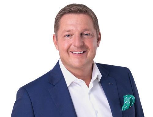 Podcast – Backstage mit Villach's Bürgermeister Günther Albel